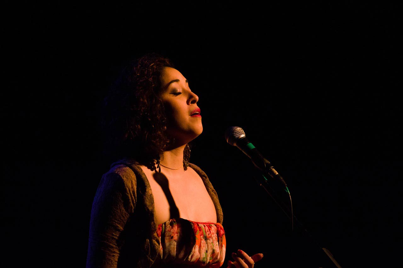 image chanteuse soliste